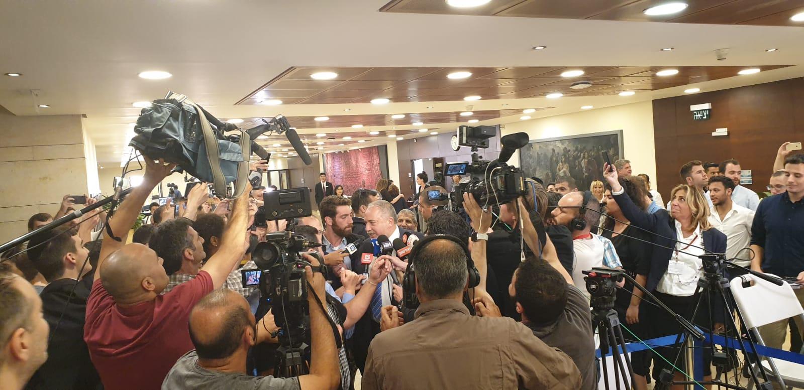 Либерман: В повторных выборах виноват «Ликуд»